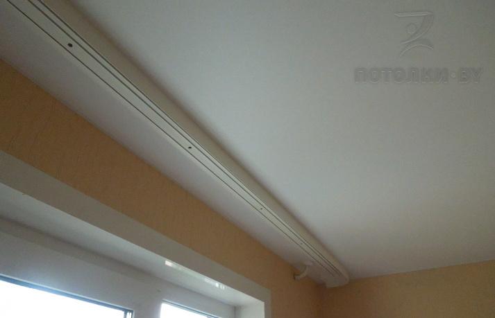 потолочный карниз на натяжной потолок фото